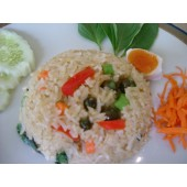 Fried rice with green curry with pork or chicken / shrimp or squid
